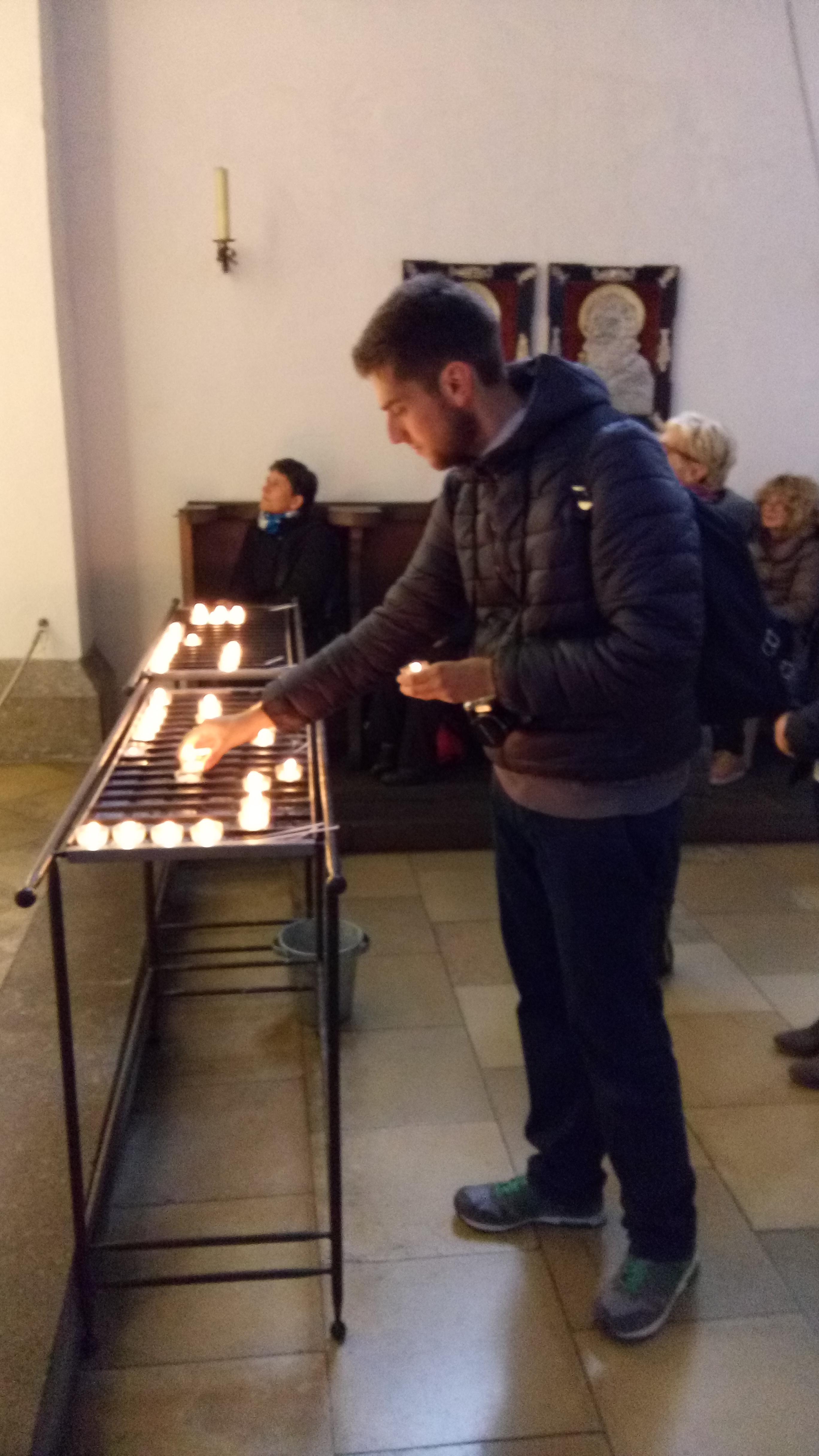 pellegrinaggio dalla Madonna che scioglie i nodi info Maurizio Gandin  www.g-trapper.com
