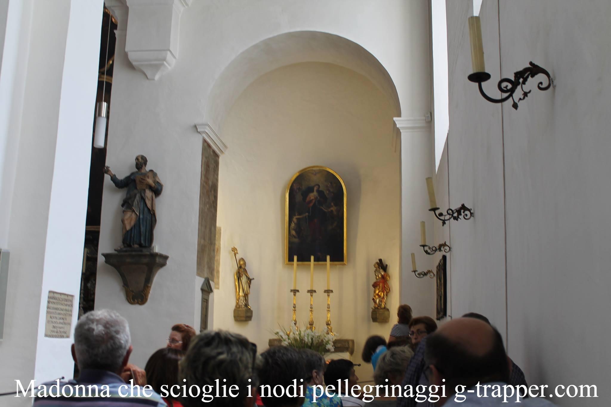 Madonna che scioglie i nodi pellegrinaggio da reggio for Negozio con alloggi al piano di sopra